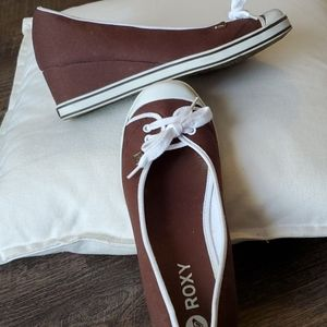 NWOT ROXY CANVAS SLIP-ON